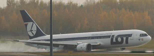 Gear Up Landing in Warsaw