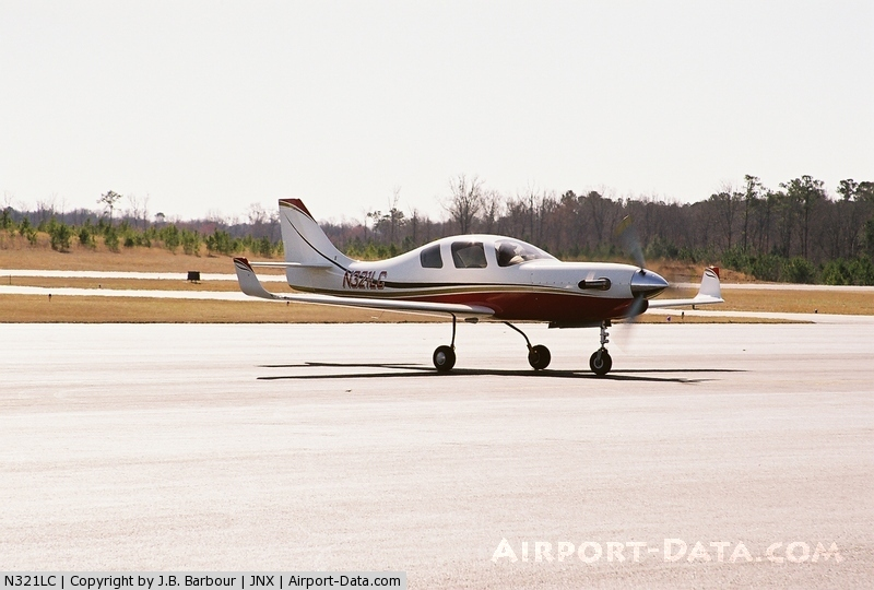 Daredevil CEO Dies in Experimental Plane Crash