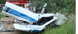Cessna Crashes Fence in Chile, 3 Aboard