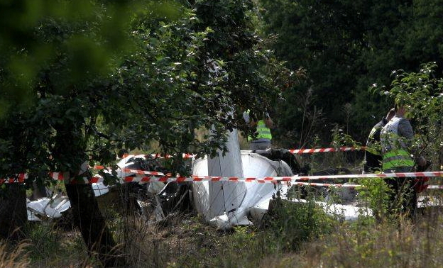 Eleven Skydivers Die in Polish Plane Crash, Pilot Survives