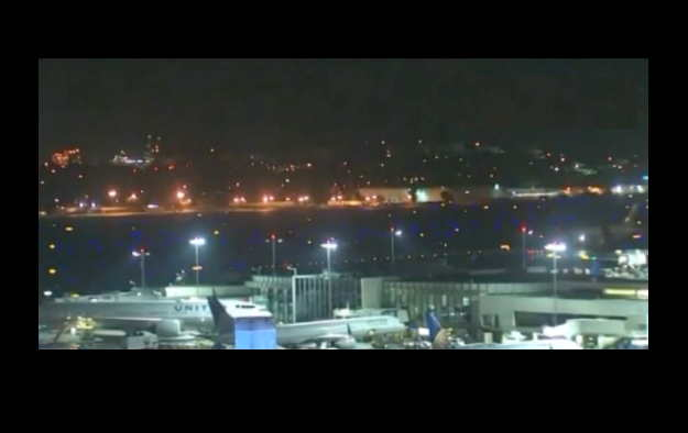 Two Boeing Jets Clip at LAX