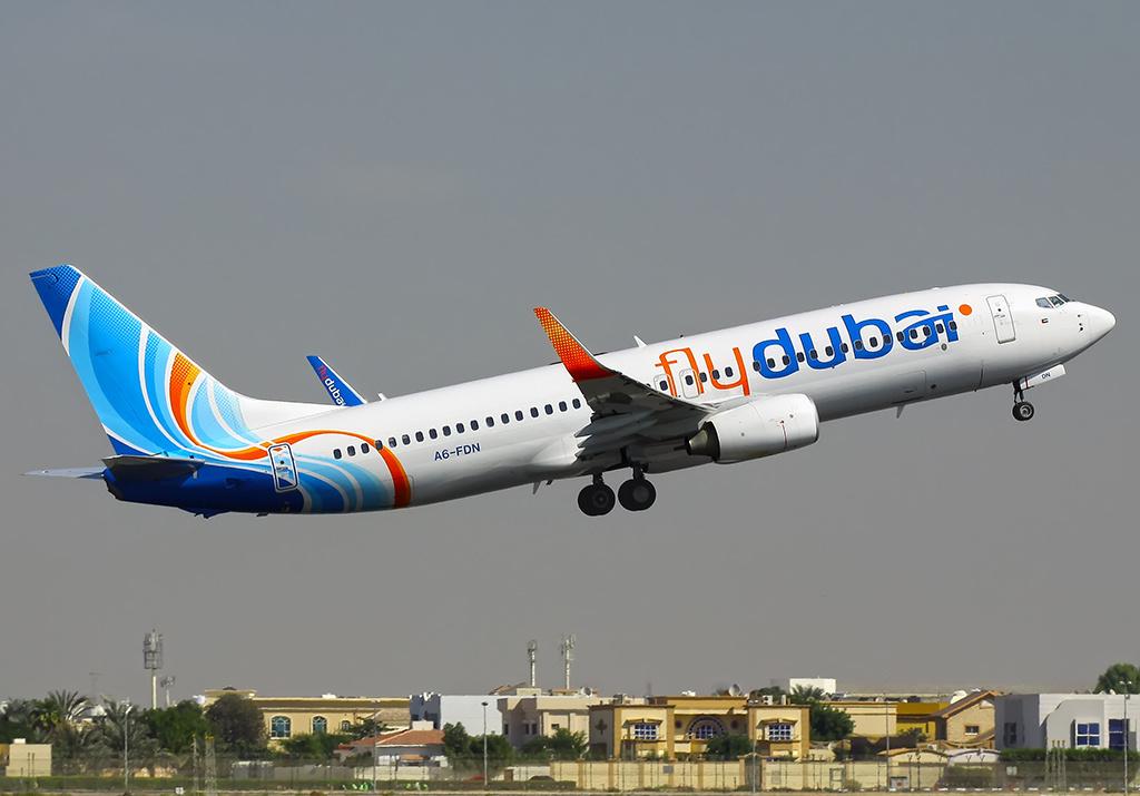 Flydubai_Boeing_737-800_(A6-FDN)